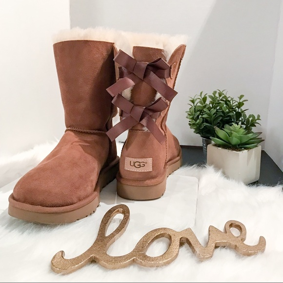 492926d7bf9 ❄️ Ugg Bailey Bow II Boots Chestnut Nordstrom EUC